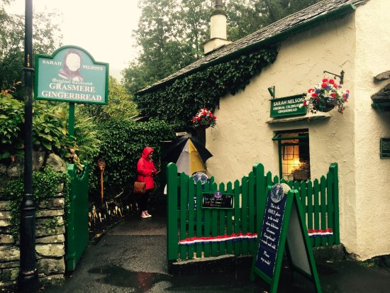 Grasmere, UK: The shop from outside