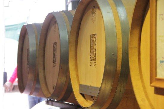 Ramot Naftali, Israël: 3 vines barrel