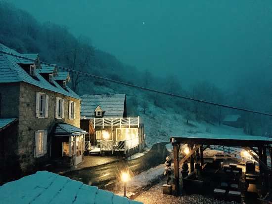 Aspet, France : By night