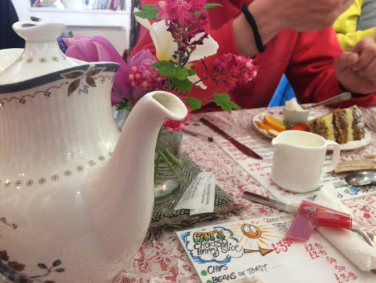 Pantasaph, UK: Tea for two
