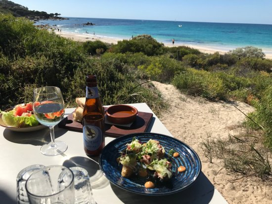 Cape Naturaliste, Australia: View of beach from our table.