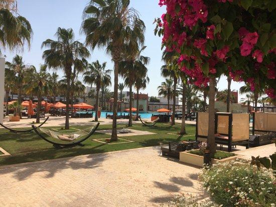 Uitzicht op het zwembad vanaf het terras foto de sofitel agadir royal bay resort agadir - Zwembad terras outs ...