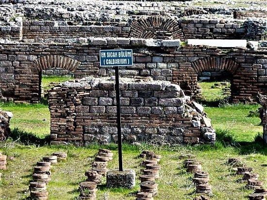 Roma Hamamı Açıkhava Müzesi - Picture of Roman Bath Open ...