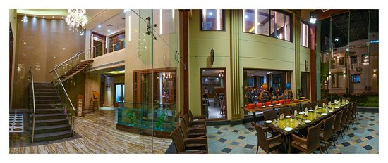 Lariya Resort : VIEW FROM LOBBY