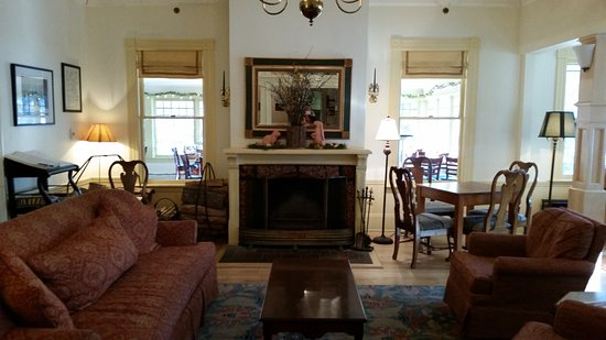 Norwich, Vermont: living room