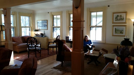 Norwich, VT : front living room to catch the morning sun and relax with coffee