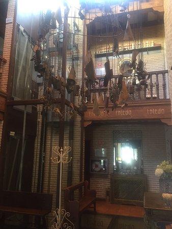 El Hostal Puerta Bisagra : photo2.jpg