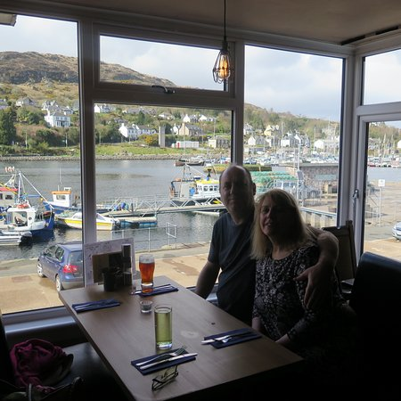 Tarbert, UK: A waitress kindly offered to take our photograph.