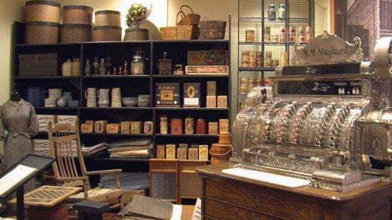 Henderson Heritage Museum : Shepherd's Store Exhibit