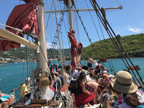 Doubloon Pirate Ships: Onboard Blackbeard's Revenge