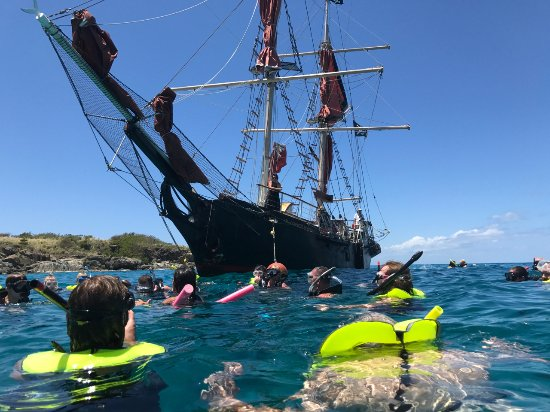Doubloon Pirate Ships: Snorkling with turtles
