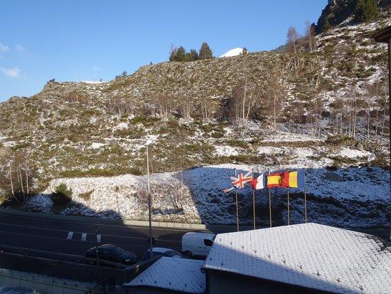 Euroski Mountain Resort: Vista do quarto (235, edifico B), depois de uma noite a nevar