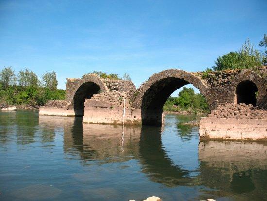 Pont romain de Saint-Thibéry