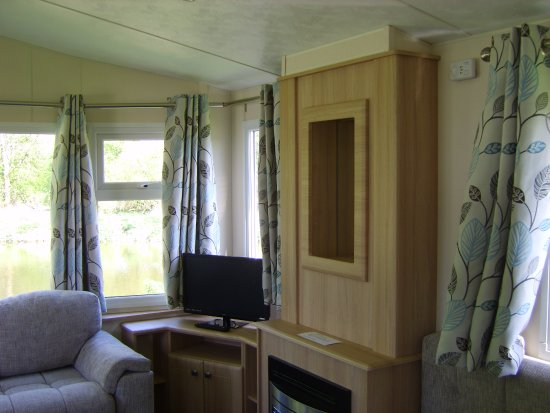 Hemingford Abbots, UK: new caravans
