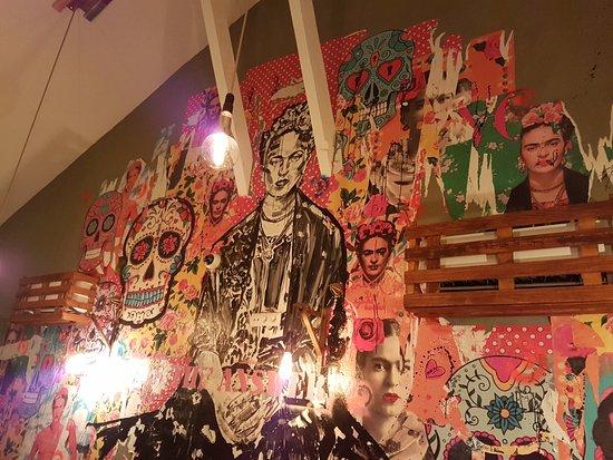 Pintura Na Parede ~ Pintura na parede no primeiro andar Picture of El Clandestino, Lisbon TripAdvisor