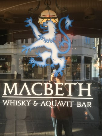 Macbeth Whisky & Aquavit Bar