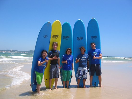 Coolangatta, Australia: Beginners come surfing with us from around the world & Have Fun!