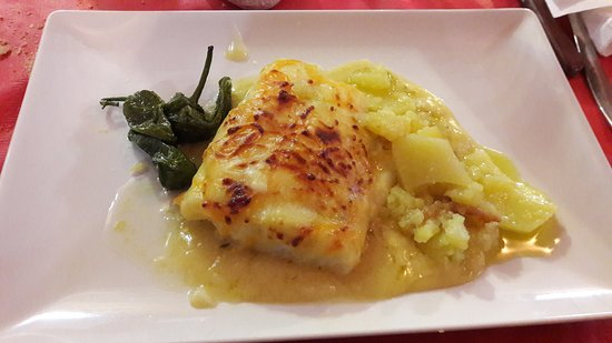 Colomera, Испания: Exquisito bacalao gratinado y entrecot de ternera!