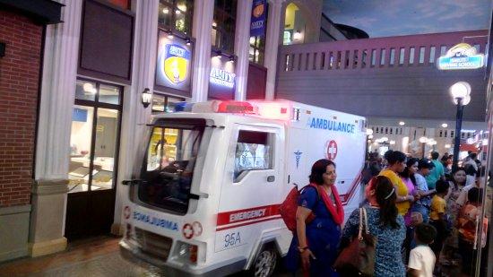 Ambulance Picture Of Kidzania Delhi Ncr Noida Tripadvisor