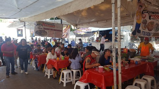 Parque Juarez  El Llano : Market day