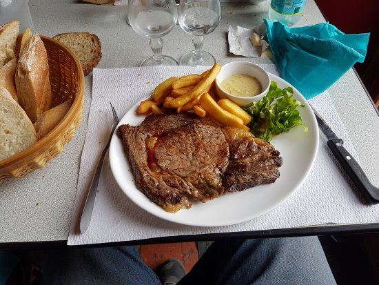 Rogny-les-Sept-Ecluses, France: Superbe XXI, à couper à la petite cuillère, de même pour les côtes d'agneau  ....!!!et frites ma