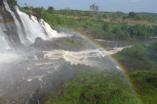 Les Chutes de Boali (Boali Waterfalls): waterfalls with rainbow
