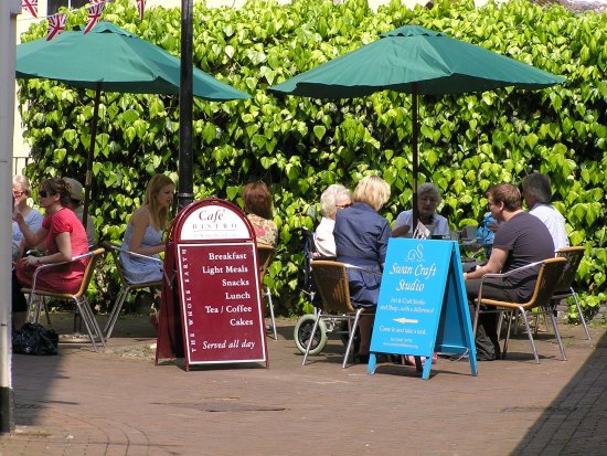 Monmouth, UK: Dining outside