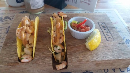 Menai Bridge, UK : The seafood tacos at Dylan's