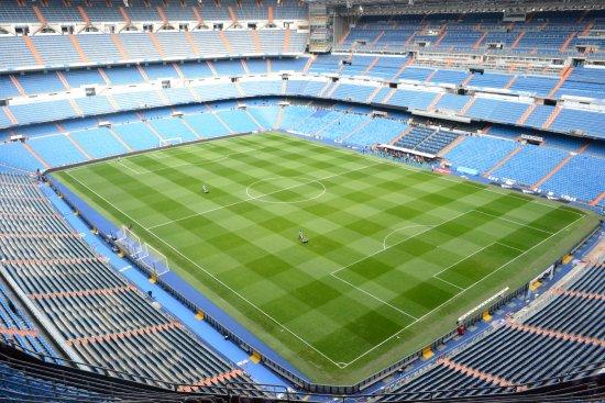Stadio santiago bernabeu bild von santiago bernab u for Puerta 53 santiago bernabeu