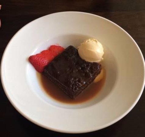 The Queens Head: Sticky Toffee Pudding mon amour!