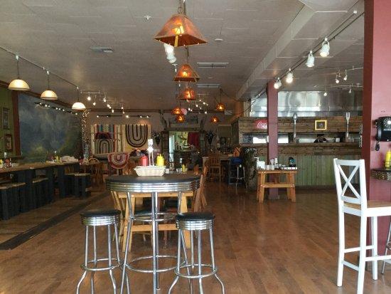 Eureka, MT: Seating area, fresh and clean