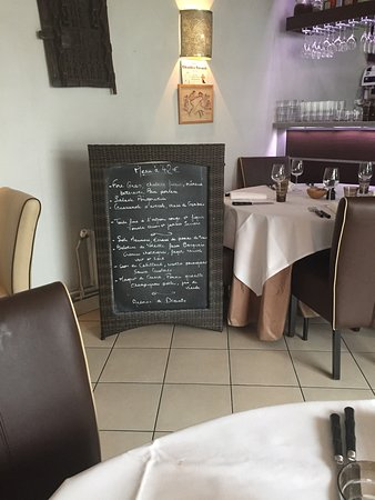 Nogent-sur-Marne, فرنسا: Restaurant La Salamandre