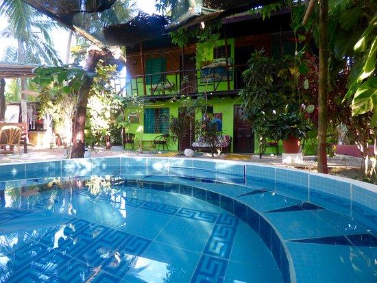 Cabinas Villa Kunterbunt : unser kleines Pool zum erfrischen