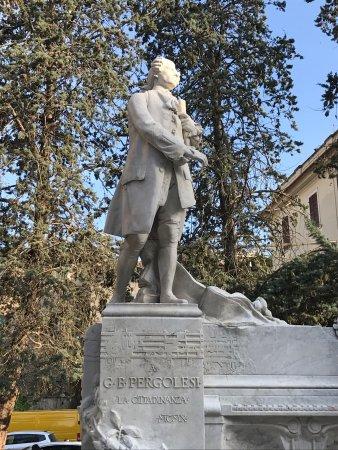 Monumento a Giovanni Battista Pergolesi : photo1.jpg