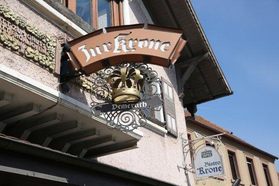 Bexbach (DE). Hotel-Restaurant Krone. Aushängeschild. (L'enseigne).