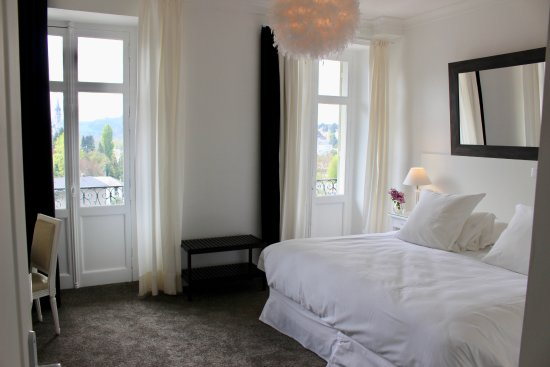 Grande chambre double avec lit king size - Picture of Grand Hotel ...