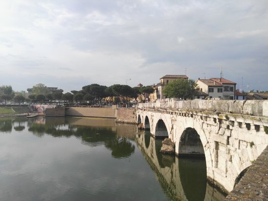 ‪The Tiberius Bridge‬