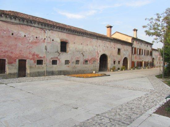 Borgo Malanotte di Vazzola