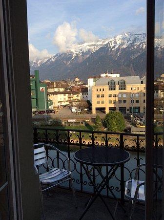 Hotel Central Continental: Bela vista do quarto de esquina 2 andar