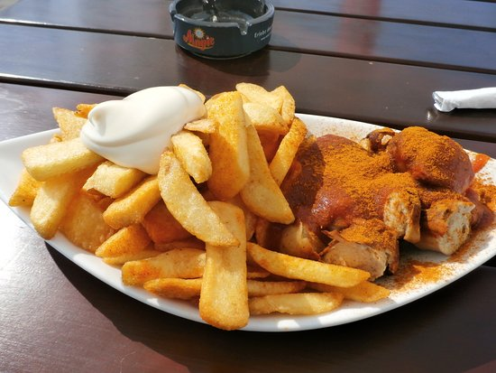 Curry Constanz: Currywurst and pommes