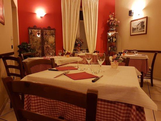 Pocapaglia, Italia: L'Ostu 'D Racunis