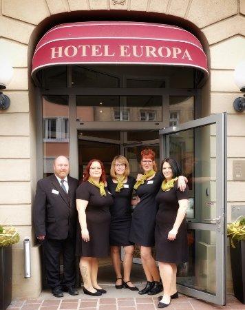 Hotel Europa Bamberg: Unser Rezeptionsteam hilft Ihnen 24 h weiter