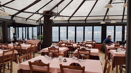 Porto Ceresio, Italy: vista lago