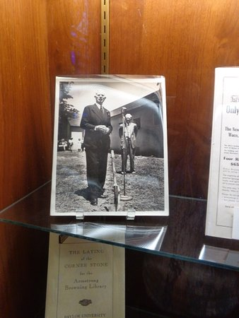 Armstrong Browning Library: Professor Armstrong's photo at library's groundbreaking