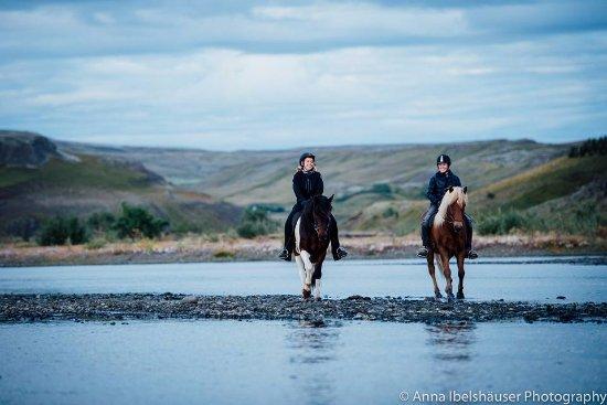 Fludir, Исландия: Riding the amazing Icelandic horses :)