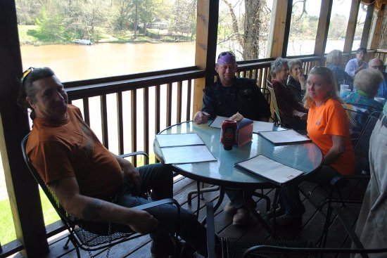 Natchitoches, Луизиана: This was at a meet & greet on the porch of Cane River Bar & Grill