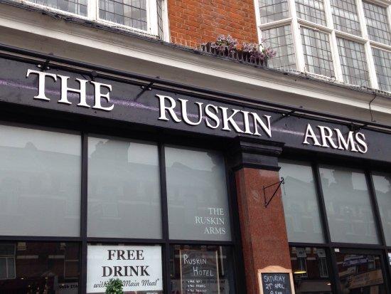 Ruskin Arms Photo