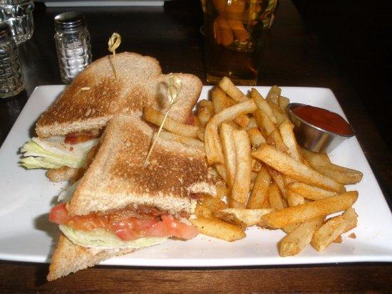Pleasanton, CA: blt & fries