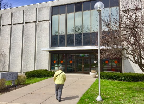 Auburn, NY: Wide and accessible entry