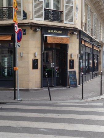 Hotel de l'Arcade: 近くのパン屋さん